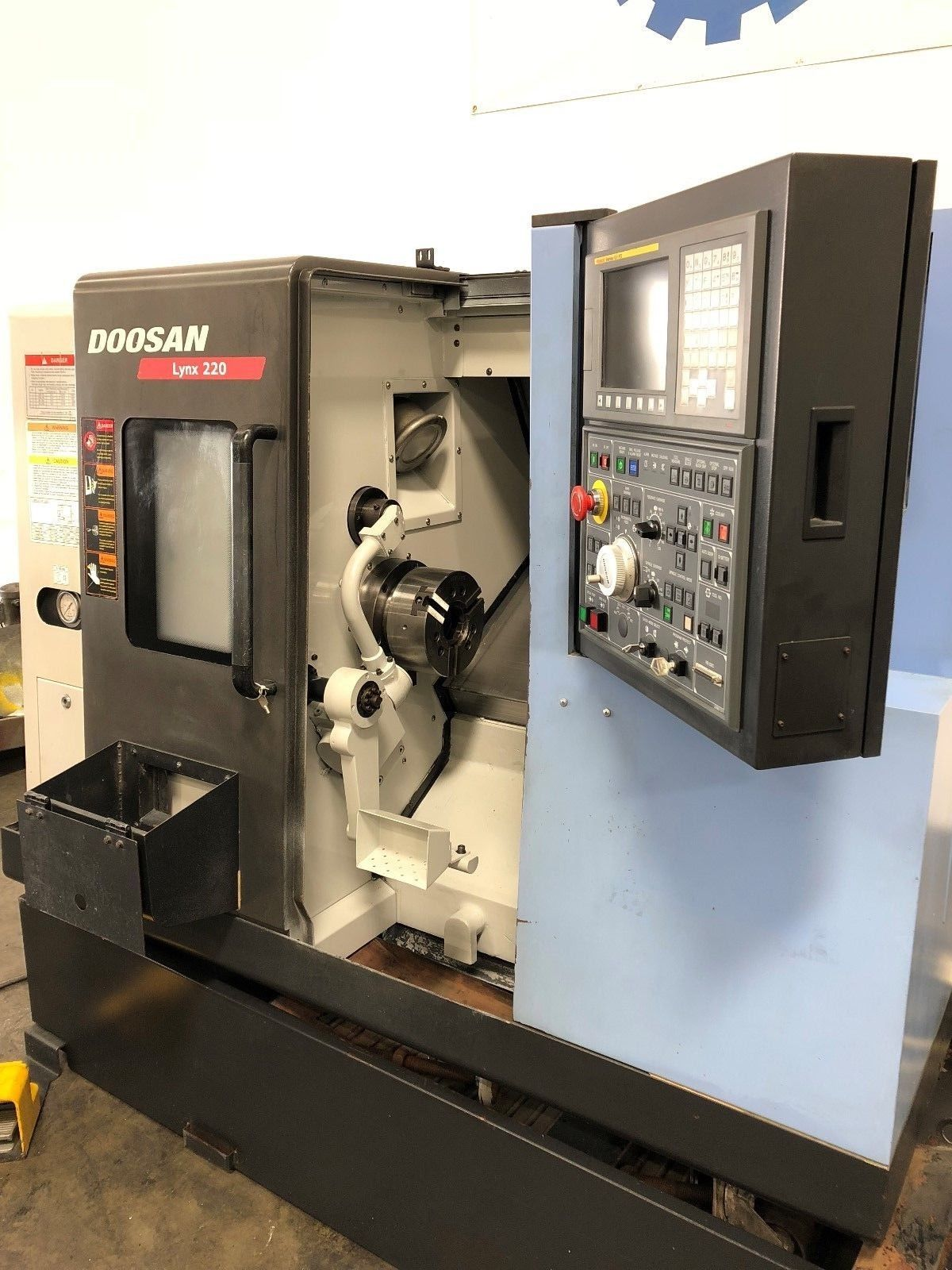 ... Used Doosan Lynx 220C CNC Turning for Sale in California MachineStation  d ...
